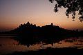 20111029 - 001 - Amanecer En Lala Ka Talab Con Bir Singh Deo Palace.jpg