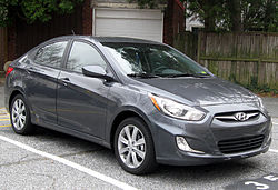 2012 Hyundai Accent GLS sedan -- 12-14-2011.jpg