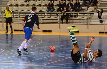 2015-02-28 17-03-29 futsal.jpg