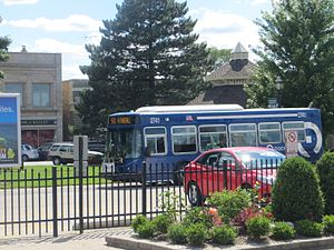 Pace (transit) - A Pace bus in Crystal Lake, Illinois.