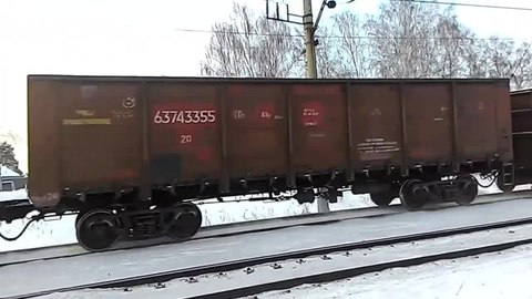 Файл:2ES6-343 with freight train.webm