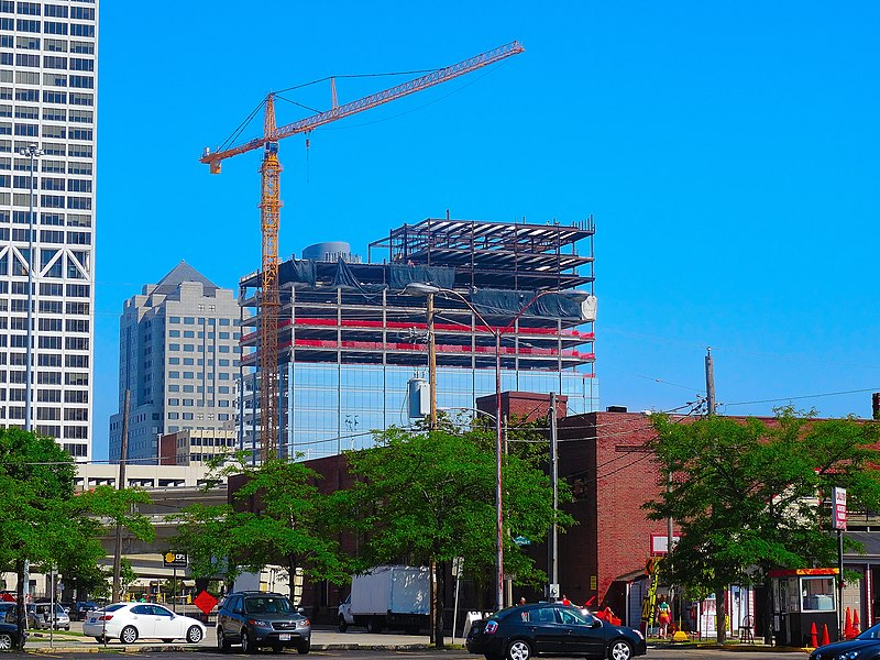 File:833 East Michigan Building Under Construction - panoramio.jpg