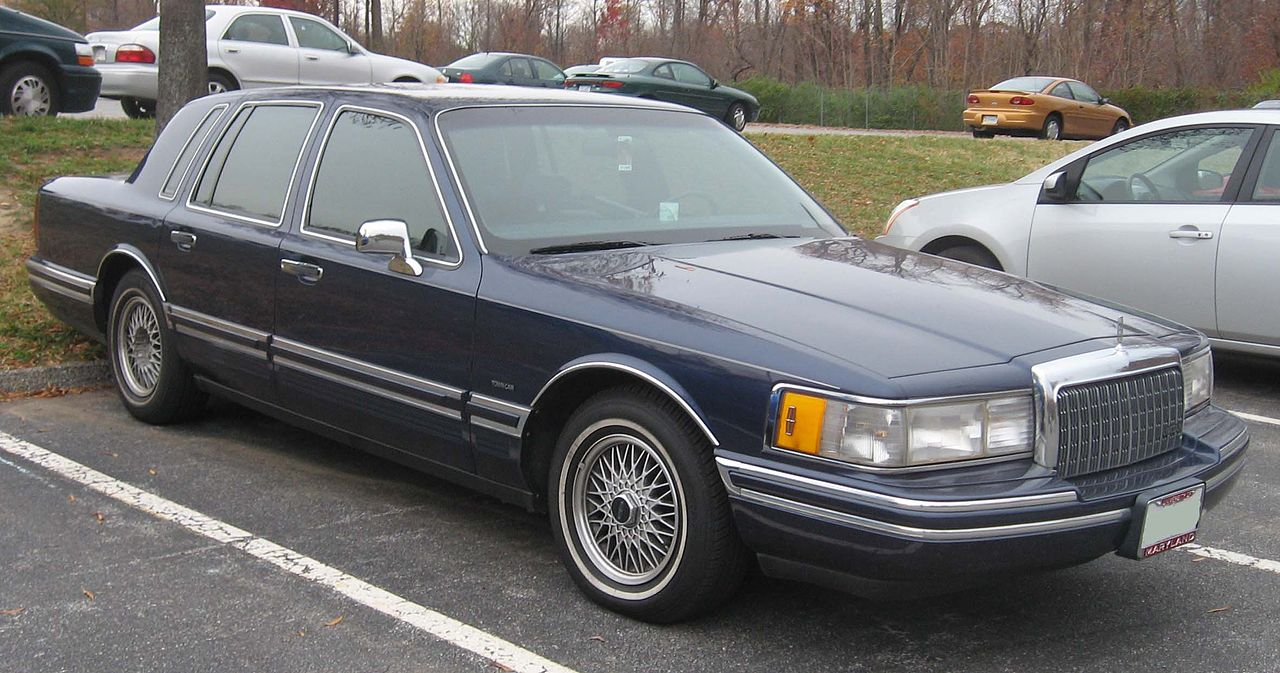 90 94 lincoln town