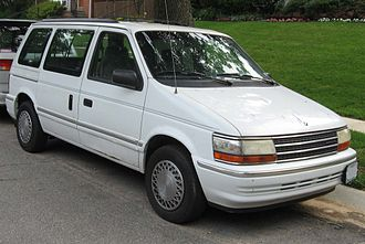 Chrysler minivan (AS) - Image: 91 95 Plymouth Voyager