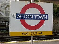 Acton Town (18508655).jpg