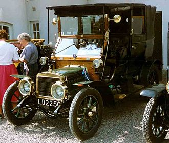 Adler (cars and motorcycle) - Image: Adlersinglelandaulet e 1909