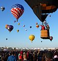 Albuquerque Balloon Fiesta 2011 - balloon launch and wave.JPG