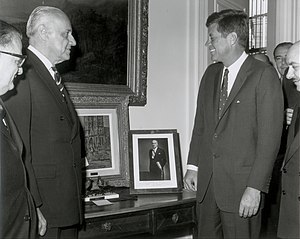Chile–United States relations - President Jorge Alessandri with President John F. Kennedy at the Embassy of Chile in the United States, 1962