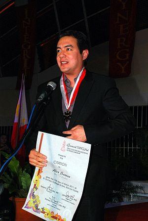Alex Santos (newscaster) - Santos in 2011
