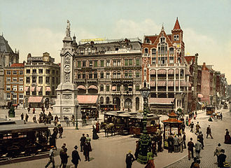 Photochrom of Amsterdam's Dam Square at the beginning of the 20th century Amsterdam photochrom2.jpg