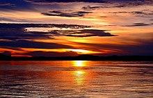 e28b073492cd Por do sol no Rio Araguaia, Estado do Tocantins.