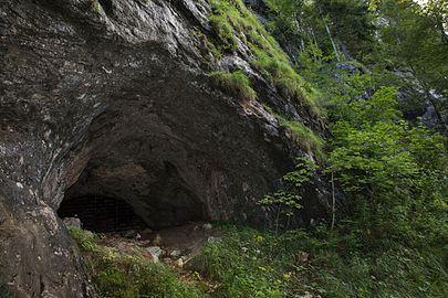 Arzberghöhle Salzatal 004.jpg