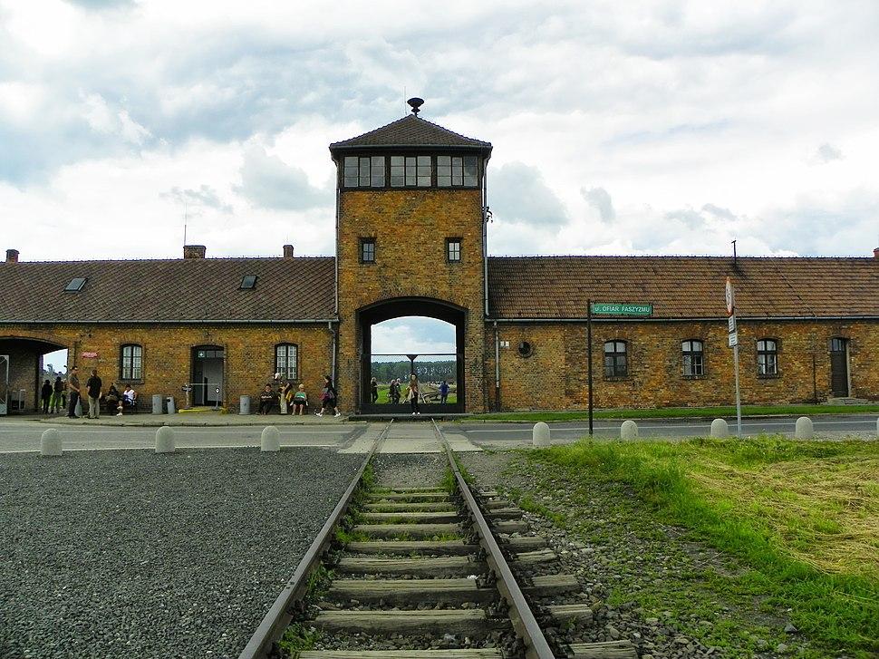 Auschwitz II-Birkenau, Oświęcim, Polonia - panoramio (20)