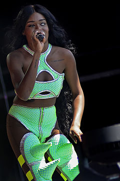 Azealia Banks at 2013 Glastonbury Festival.jpg