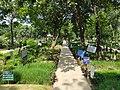 Azimpur graveyard, Dhaka.jpg
