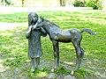 Bad Sassendorf – Bronze-Skulpturen - Mädchen mit Fohlen - Ladislav Hlina - panoramio.jpg