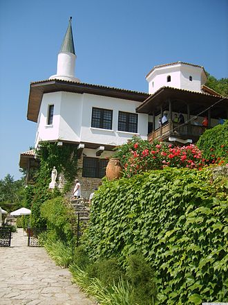 Balchik Palace - The queen's summer residence with the extravagant minaret