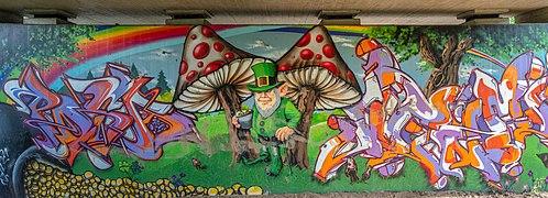 Bamberg Hallstadt Graffiti 8097516-Pano-PSD.jpg