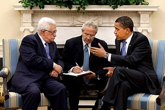 Mahmoud Abbas - Abbas with President Barack Obama in the Oval Office