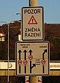 Barrandovský most, severní vozovka, dopravní značky (01).jpg