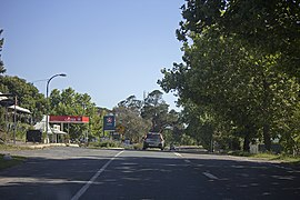 Barton Highway in Murrumbateman (1).jpg