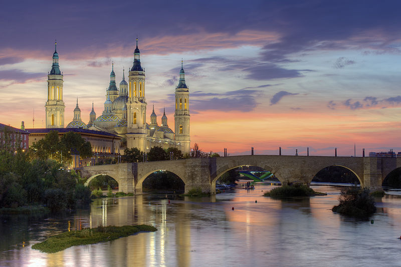 File:Basilica of Our Lady of the Pillar and the Ebro River, Zaragoza.jpg