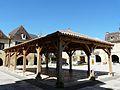 Beaumont-du-Périgord halle (2).JPG