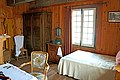 Bedroom (35873114146).jpg