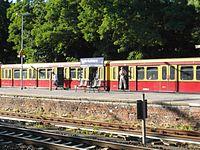 Berlin - Karlshorst - S- und Regionalbahnhof (9495705525).jpg
