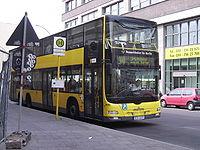 Berlin Omnibus Linie 100 Doppeldecker.JPG