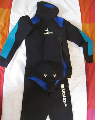 Wetsuit - Beavertail two-piece wetsuit with twistlock fasteners and offset 3/4 zipper