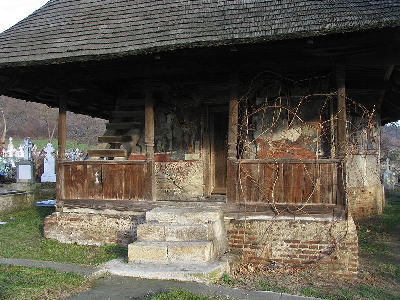 Fișier:Biserica de lemn Nasterea Domnului din satul Glambocata Deal comuna Leordeni judetul Arges Romania 6.jpg