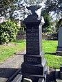 Blacksmiths gravestone - geograph.org.uk - 1001359.jpg