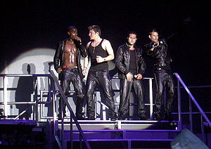Duncan James - Blue performing Greatest Hits Tour, in 2005.