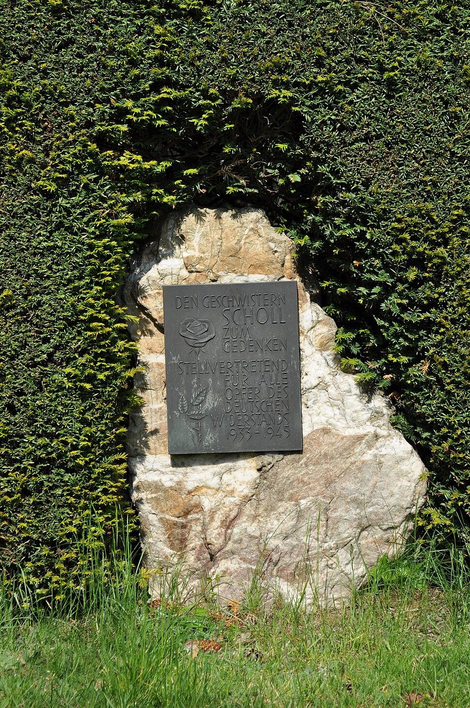 Bommersheim, Geschwister-Scholl-Gedenkstein