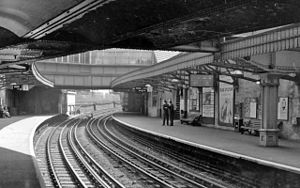 Bow Road tube station - View eastward at platform level in 1961