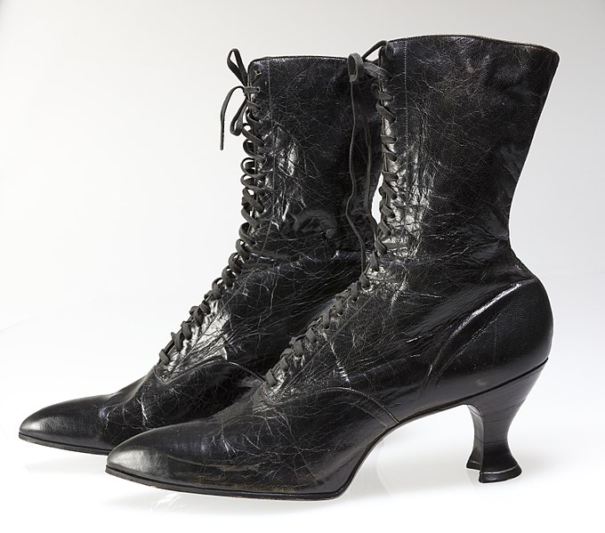 File:Boyd Welsh Shoe Company Women's High Lace-up Pointed Toe Boots.jpg