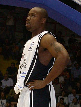 Brandon Hunter - Hunter playing for Napoli in 2006