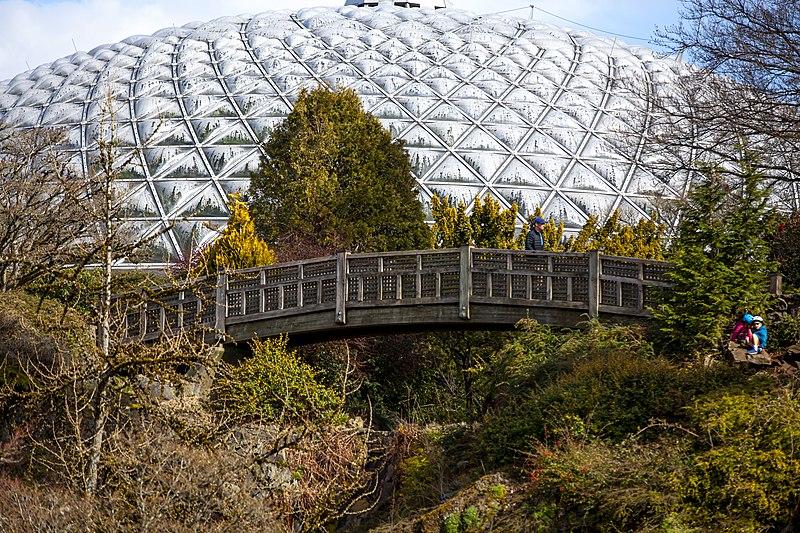 Bridge and Bloedel Conservatory dome @ Queen Elizabeth Park
