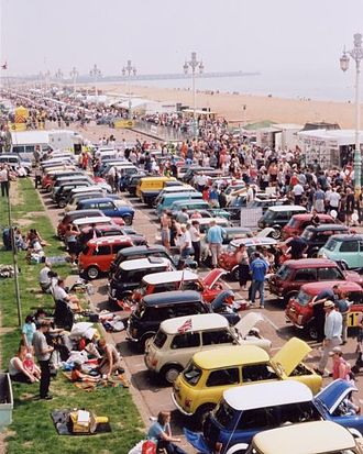 London to Brighton events - Seafront display of Minis after a London to Brighton drive