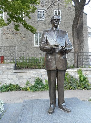 Jean Drapeau (sculpture) - The statue in 2014