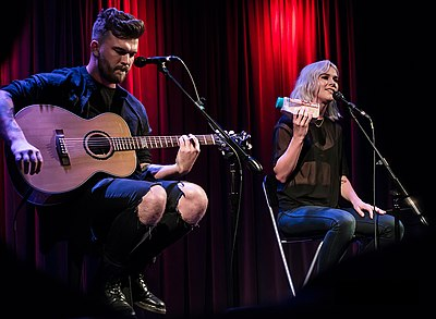 Picture of a band or musician: Broods