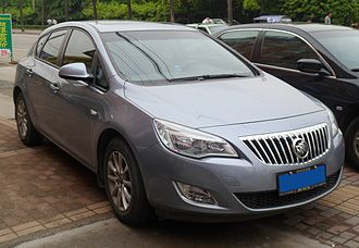 Buick Excelle GT - Image: Buick Excelle XT 01 China 2012 04 29