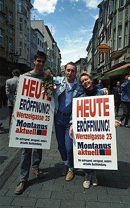 http://upload.wikimedia.org/wikipedia/commons/thumb/5/57/Bundesarchiv_B_145_Bild-F079081-0018%2C_Bonn%2C_Fu%C3%9Fg%C3%A4ngerzone%2C_Sternstra%C3%9Fe.jpg/256px-Bundesarchiv_B_145_Bild-F079081-0018%2C_Bonn%2C_Fu%C3%9Fg%C3%A4ngerzone%2C_Sternstra%C3%9Fe.jpg