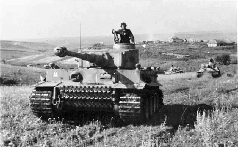 Bundesarchiv Bild 101III-Zschaeckel-207-12, Schlacht um Kursk, Panzer VI (Tiger I)