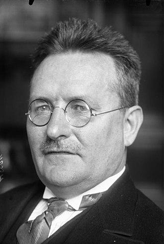 Paul Löbe - Löbe in 1924