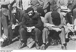 Bundesarchiv Bild 183-B10923, Frankreich, Paris, festgenommene Juden