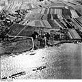 Bundesarchiv Bild 195-0829, Rheinbefliegung, Dormagen - Zons.jpg