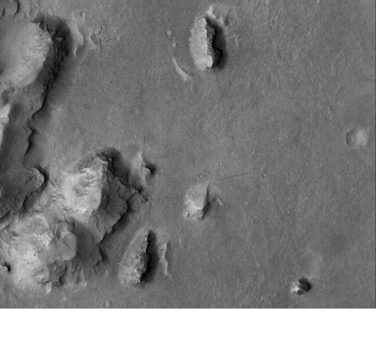 Buttes and layers in Aeolis