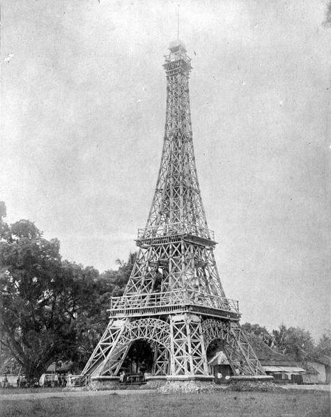 http://upload.wikimedia.org/wikipedia/commons/thumb/5/57/COLLECTIE_TROPENMUSEUM_Eiffeltoren_van_bamboe_te_Tasikmalaja_Java_opgericht_ter_ere_van_de_kroning_van_koningin_Wilhelmina_in_1898_en_ontworpen_en_uitgevoerd_door_de_opzichter_van_de_Waterstaat_A.H._van_Bebber_TMnr_10011465.jpg/475px-COLLECTIE_TROPENMUSEUM_Eiffeltoren_van_bamboe_te_Tasikmalaja_Java_opgericht_ter_ere_van_de_kroning_van_koningin_Wilhelmina_in_1898_en_ontworpen_en_uitgevoerd_door_de_opzichter_van_de_Waterstaat_A.H._van_Bebber_TMnr_10011465.jpg